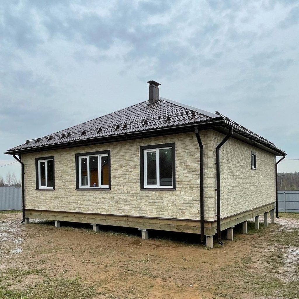 Fasadnye-paneli-Docke-Stein-tsvet-YAntarnyj